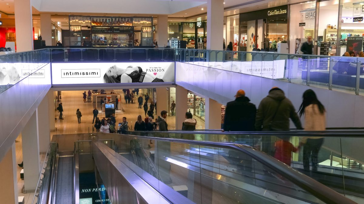 Digital adv in malls - Out of Home adv